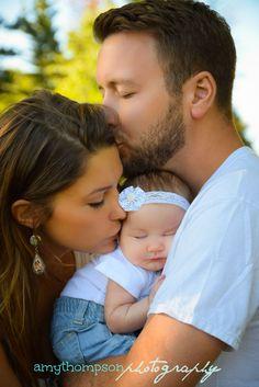 Beautiful Family Portrait - Newborn Family Picture - Posing - Newborn Photography - Family Photography. Photography by Amy Thompson Photography, Nashville, Tennessee