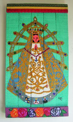 """""""Virgen de Lujan"""" Acrilico sobre maderas recicladas con detalles de piedras y puntillas de colores de Reina Mandy Arte Reciclado""""inforeinamandy@gmail.com"""