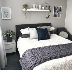 best modern bedroom wall decor ideas to try 00017 Master Bedroom Design, Dream Bedroom, Home Decor Bedroom, Modern Bedroom, Bedroom Wall, Bedroom Designs, Trendy Bedroom, Diy Bedroom, Small Minimalist Bedroom