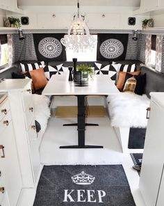 The dining area in the repainted caravan. Caravan interior More - Vanlife & Caravan Renovation Shasta Camper, Rv Campers, Camper Trailers, Happy Campers, Travel Trailers, Camper Van, Rv Travel, Camper Life, Scamp Camper