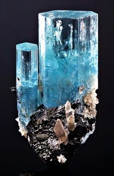 "Aquamarine with quartz on Schörl. From Erongo Mountain, Erongo Region, Namibia. Measures cm x cm x cm in total size. "" - Minerals and Rocks Natural Crystals, Blue Crystals, Stones And Crystals, Gem Stones, Minerals And Gemstones, Rocks And Minerals, Form Design, Beautiful Rocks, Mineral Stone"