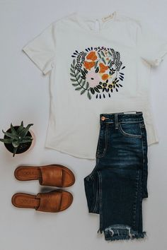 Summer Outfit Ideas for Women Modest Summer Outfits White Floral Embroidered Tee Casual Comfy Outfit Inspiration Flat Lay Outfit Ideas ROOLEE Modest Summer Outfits, Outfits For Teens, Spring Outfits, Trendy Outfits, Cute Outfits, Fashion Outfits, Rustic Outfits, Earthy Outfits, Fashion Ideas