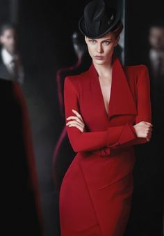 Donna Karan, for those moments when you want to be the most stylish of inconspicuous spies.