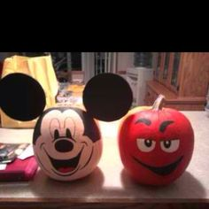 painted pumpkins for halloweenl i so need the mm one - How To Paint Pumpkins For Halloween
