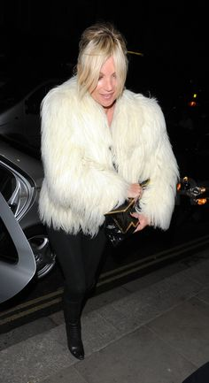 Photos-Kate-Moss-Sadie-Frost-Touched-Very-First-Time-Performance.jpg (1813×3327)