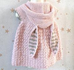 Baby Girl Crochet, Crochet Baby Clothes, Crochet For Kids, Crochet Baby Stuff, Crochet Baby Sweaters, Crochet Baby Dresses, Gilet Crochet, Knit Crochet, Crochet Baby Poncho