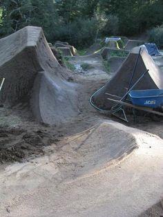 Dirt Bike Track, Bmx Dirt, Jump Park, Skate Park, Mtb Trails, Mountain Bike Trails, Mtb Bike, Bmx Bikes, Road Bike