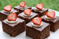 Ihanat suklaaleivokset - HELMEILEVÄÄ - Vuodatus.net A Food, Food And Drink, Cheesecake, Baking, Desserts, Tailgate Desserts, Deserts, Cheesecakes, Bakken