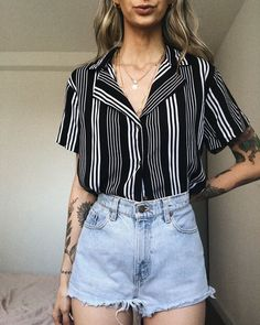 Image in La belleza cuesta collection by 𝓟𝓻𝓲𝓷𝓬𝓮𝓼𝓼 𝓒𝓮𝓵𝓮𝓼𝓽𝓲𝓪. Basic Outfits, Edgy Outfits, Short Outfits, Cute Outfits, Fashion Outfits, Style Fashion, Lesbian Outfits, Boho Summer Outfits, Aesthetic Clothes