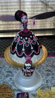Monster high Draculaura cake cupcake