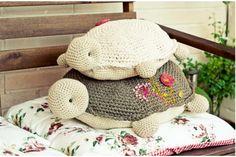 Bonitas y adorables tortugas tejidas a crochet, cojín de katia, patrón completo.