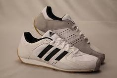 7582fe401b86 Adidas En Garde fencing shoes (sneaker) is one of the lightest fencing  sneakers. It is even lighter than comparable Nike shoes.