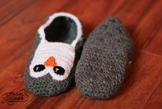 penguin slippers. I need to try this. First step is to learn how to crochet slippers. :)