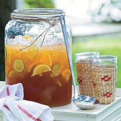 Punch and Cocktail Summer Drink Recipes: Lemonade Iced Tea  Ingredients        3 cups water      2 family-size tea bags      1 (1-oz.) package fresh mint leaves (about 1 cup loosely packed)      1/2 cup sugar $      4 cups cold water      1 (6-oz.) can frozen lemonade concentrate, thawed  Garnish: fresh citrus slices