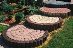 Тротуарная плитка для дорожек на даче: укладка своими руками и 80+ долговечных и оригинальных примеров оформления http://happymodern.ru/trotuarnaya-plitka-dlya-dorozhek-na-dache/ trotuarnaya_plitka_38