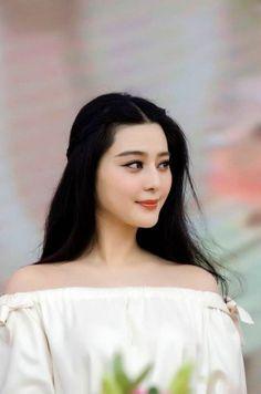 Designer Clothes, Shoes & Bags for Women Bang Bang, My Fair Princess, Li Bingbing, Asian Photography, Chinese Actress, Portraits, Celebs, Celebrities, Asian Beauty