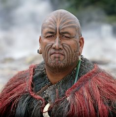 patricia steur tattoos – Tattoo Tips Maori Face Tattoo, Face Tattoos, Haka New Zealand, Maori Tribe, Polynesian People, Maori People, Hawaiian Tattoo, Hawaiian Tribal, Maori Art