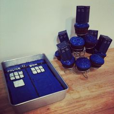 tardis cake im going to attempt to make this for sam for her
