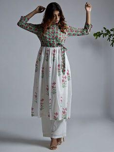ideas birthday dress women casual long sleeve for 2019 Kurta Designs Women, Kurti Neck Designs, Blouse Designs, Indian Designer Outfits, Indian Outfits, Designer Dresses, Designer Kurtis, Shrug For Dresses, The Dress