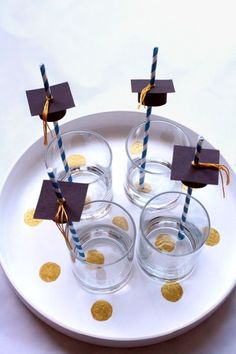 The Best DIY Decorations To Have At Your Grad Party: Graduation Cap Straw Toppers
