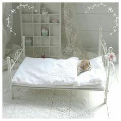 ~♡~  Shabby, Metall-Puppenbett  ~♡~ von Weidenröschen auf DaWanda.com