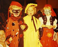 Vintage photo of trick-or-treaters....