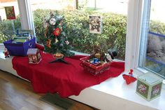 Peaceful Parenting: Interactive Montessori-Inspired Christmas Display!