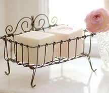love the soap and the soap holder.I would also use the Provence lavender soap with the straw ribbon or burlap twine string around it -Mari Do It Yourself Decoration, Vintage Stil, Rose Cottage, White Cottage, Wire Crafts, Wire Art, Handmade Soaps, Vintage Roses, Beautiful Bathrooms