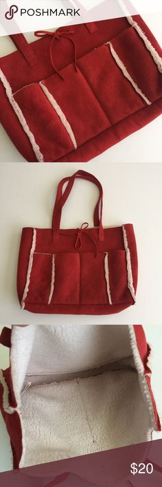 Old Navy bag Use a few times. Excellent condition. Old Navy Bags