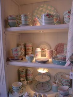 Mix & Match GreenGate Stoneware in the colors pink & mint