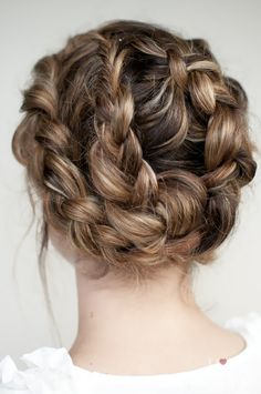 pretty hair * {hair romance -- a twist on an old braid} Up Hairstyles, Pretty Hairstyles, Braided Hairstyles, Wedding Hairstyles, Braided Updo, Braided Crown, Crown Braids, Twisted Bun, 2 Braids