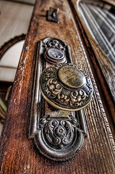 Victorian door knob - so beautifully intricate.