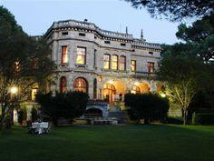 Palacio San José - Getxo Mansions, House Styles, Home Decor, San Jose, Palaces, Decoration Home, Manor Houses, Room Decor, Villas