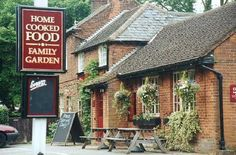 As Time Goes By Locations - Roundbush, Hertfordshire Uk Pub, Dry Sense Of Humor, Bbc Tv Series, British Comedy, Family Garden, British Isles, My Happy Place, Pond, Britain