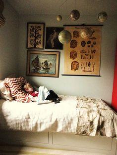 Lauren Liess // Hanging Globes // Home // Room // Creative Best Bedroom Paint Colors, Muebles Shabby Chic, Lauren Liess, Decoration Bedroom, Piece A Vivre, Kid Spaces, Small Spaces, My New Room, Kids Decor