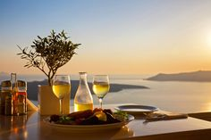 Learn all about the best islands in Greece to enjoy a little romance.