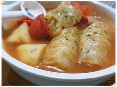 想吃Barszcz不想吃牛肉,家裡又沒有豬腱子肉,就用自製的高麗菜捲唄~羅宋湯Barszcz是發源於烏克蘭的一種濃菜湯,冷熱兼可享用,在東歐或中歐很受歡迎...