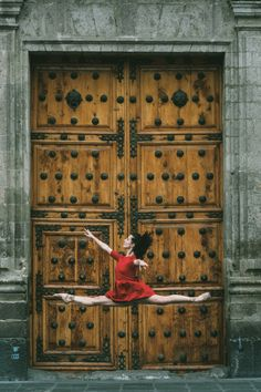 Gratitude—that's what New York-based photographer Omar Robles took away with him after his latest experience photographing ballet dancers in urban backdrops.