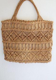 Macrame Purse, Macrame Jewelry, Festival Hippie, Burlap Tote, Macrame Patterns, Geometric Patterns, Macrame Design, Bead Crochet, Knitted Bags