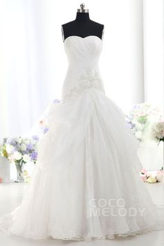 Dreamy A-Line Sweetheart Dropped Train Organza Ivory Sleeveless Lace Up-Corset Wedding Dress with Ruched and Appliques h7ai0105 #weddingdress #cocomelody
