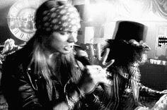 AKI GIFS: Gifs animados Axl Rose (Guns N' Roses)