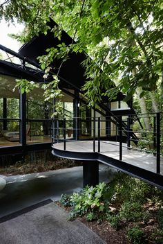 Robin Boyd's Bridge House in Melbourne renovated by Stephen Jolson | nature architecture