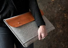 "MacBook 15"" PRO RETINA case genuine leather wool felt dark grey laptop messenger perfect protection snug fit functional large front pocket"