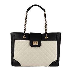 032a50e2d4fed 27 Top Trend We Love  Two-Toned Bags images