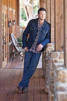Blake Shelton-he makes me melt!