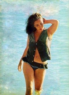 "indypendent-thinking: "" whosafraidofelizabethtaylor: During the filming of 'The night of the iguana', Puerto Vallarta (1964) """