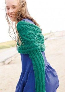 Grüner Schulterwärmer mit Ärmeln, stricken mit Rebecca - mein Strickmagazin und ggh-Garn CAMELLO (85% Schurwolle / 15% Kamelhaar).  Garnpaket zu Modell 11 aus Rebecca Nr. 52