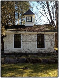 Low pitch on roof, cupola, board & batten siding, arched windows Big Houses, Little Houses, Play Houses, Living In A Shed, Front Yard Decor, Earth Homes, Cute House, Garden Buildings, Rustic Outdoor