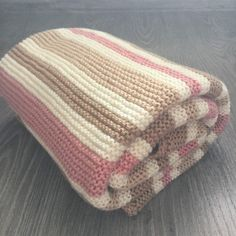 Knit baby blanket for bassinet customized baby merino wool blanket gift for baby shower ready to ship Cotton Baby Blankets, Knitted Baby Blankets, Merino Wool Blanket, Easy Baby Blanket, Chunky Blanket, Knitting Blogs, Baby Knitting, Baby Shower Gifts, Baby Gifts