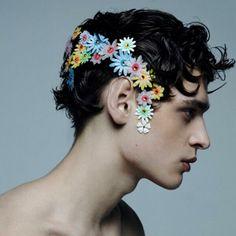 黒髪に花冠もいいものです